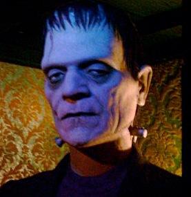 Gut, die Schrauben kommen bei Frankenstein nicht aus den Ohren, sondern sitzen etwas tiefer. (Bild: Wikipedia)