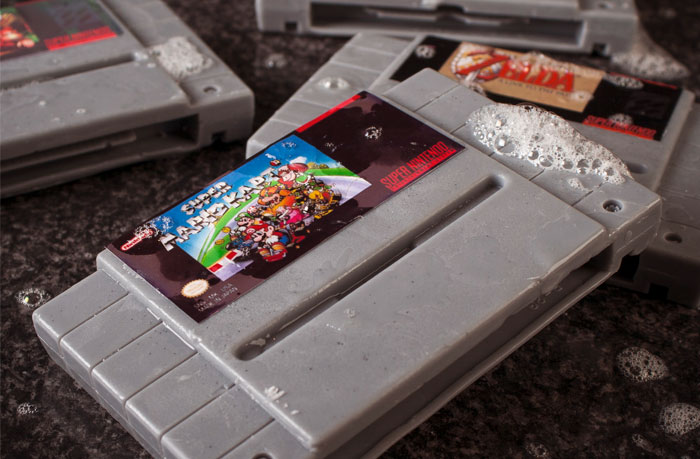 Super Nintendo- Cartridges  als Seife - Gamer Soap (Bild:  © Firebox.com)