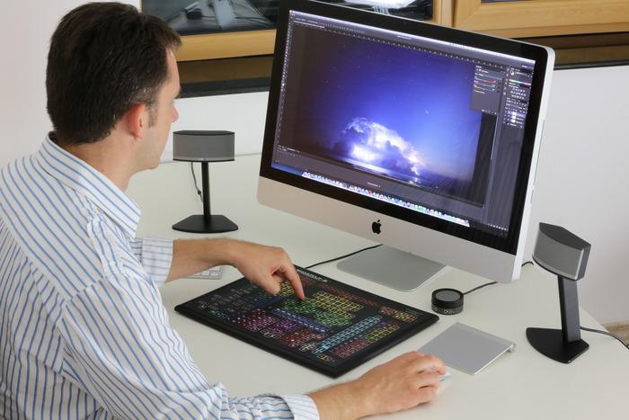 EIn Tasten-Meer - die Photoshop-Tastatur (Bild: kickstarter/© Sorin Neica)