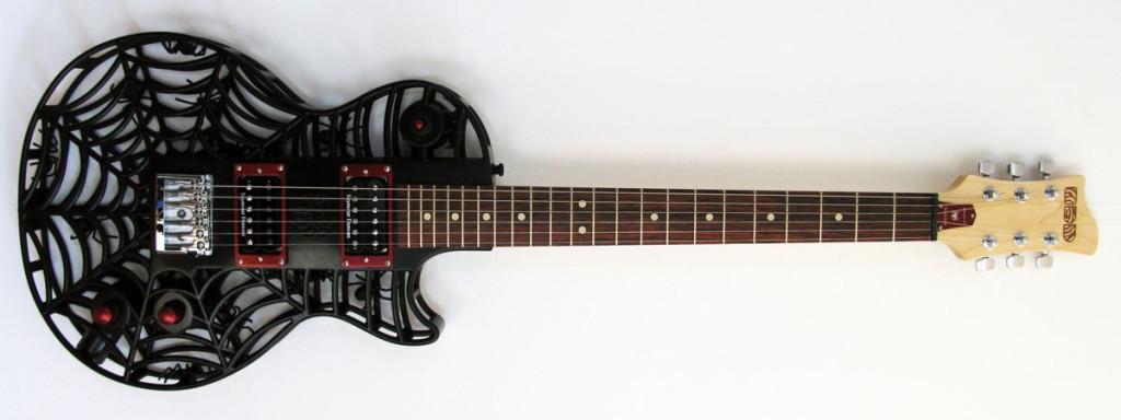 Diese Gitarre hat schon Spinnennetze angezogen. Die Spider LP von ODD Guitars (Bild: © Olaf Diegel)