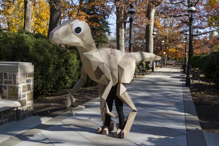 In groß leider nicht zu bezahlen - der KitRex-Papp-Dinosaurier (Bild: kickstarter/ © Lisa Glover)