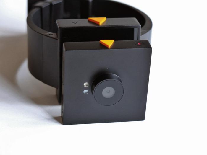Smart im Doppelpack - MADICE Smart-Watch und Smart-Cam (Bild: indiegogo/ © MADICE, INC)