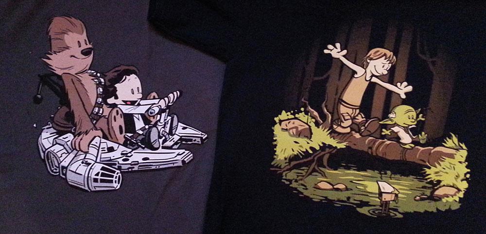 Bevor Fragen aufkommen. Die beiden Shirts stammen von Teefury.com. Ob die noch mal aufgelegt werden steht jedoch in den Sternen.
