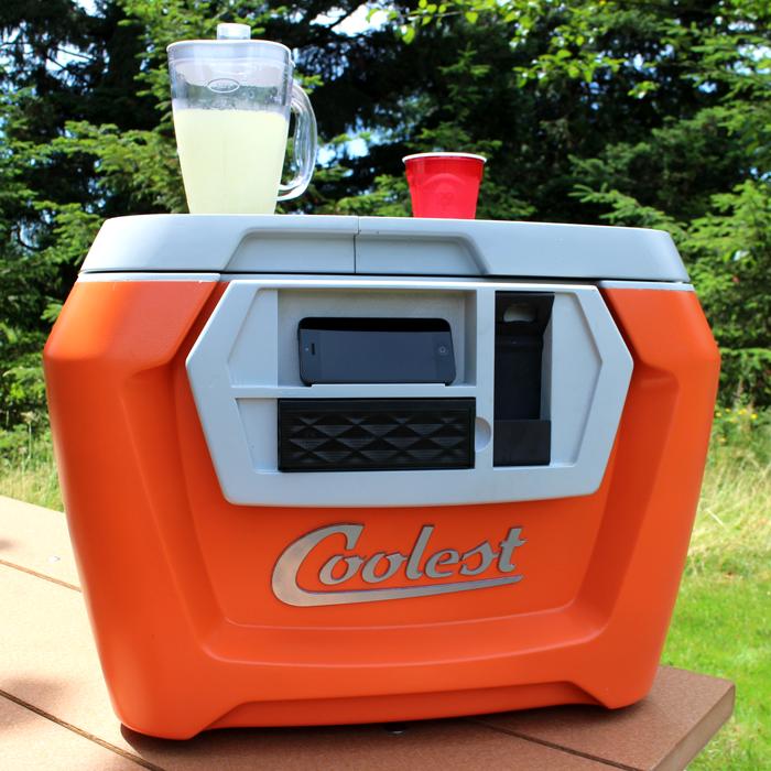 Die durchdachte Kühlbox - der COOLEST Cooler (Bild: kickstarter/©Ryan Grepper)