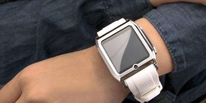 Uhr für Schlafmützen - Spark hilft beim wach bleiben (Bild: kickstarter/© Blanc Watches )