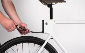 Das Kabelschloss ist im Rahmen eingelassen (Bild: Oregon Manifest /The Bike Design Project/HUGE Design + 4130 Cycle Works)
