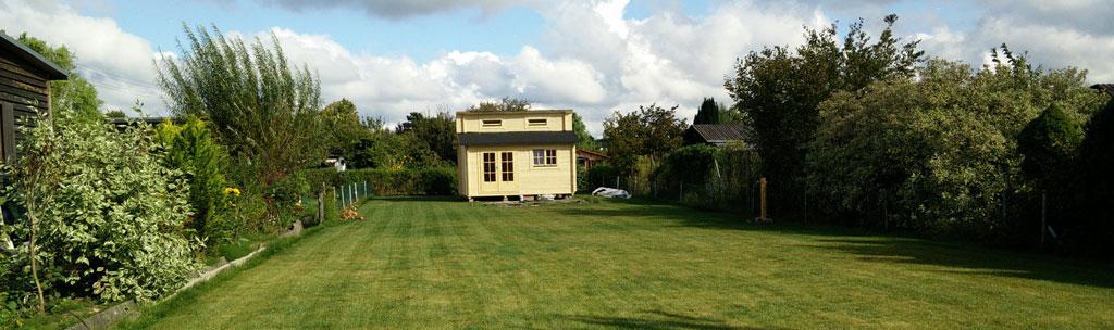 Garten (endlich) mit Haus (Bild: © O. Thiele)