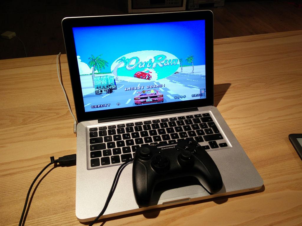 Eine gepflegte Rund Out Run im Browser - The Internet Arcade (Bild: © O. Thiele)