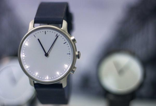 Fitnesstracker mit Smartwatchfunktion und Zeiger - die Nevo Watch (Bild: indiegogo/© nevo)