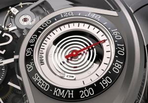 Hut ab, wenn jemand bei 200 km/h Windgeschwindigkeit noch auf den Füßen bleibt (Bild:© BREVA GENEVE SA)