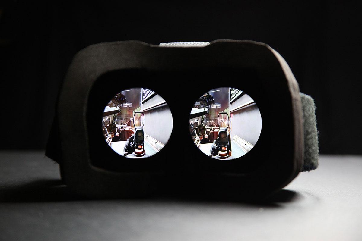 die kabel sind los visusvr virtual reality headset miy man in yellow. Black Bedroom Furniture Sets. Home Design Ideas
