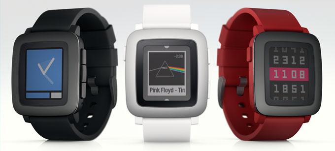 Neuer Rekordhalter? Die neue Pebble Time in den drei zur Verfügung stehenden Farben (Bild: kickstarter/© pebble)