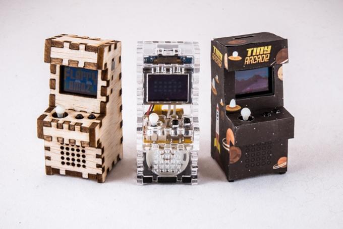 Holz, Acryl und 3d-gedrucktes ABS stehen zur Auswahl (Bild: kickstarter/© Tiny-Circuits.com)