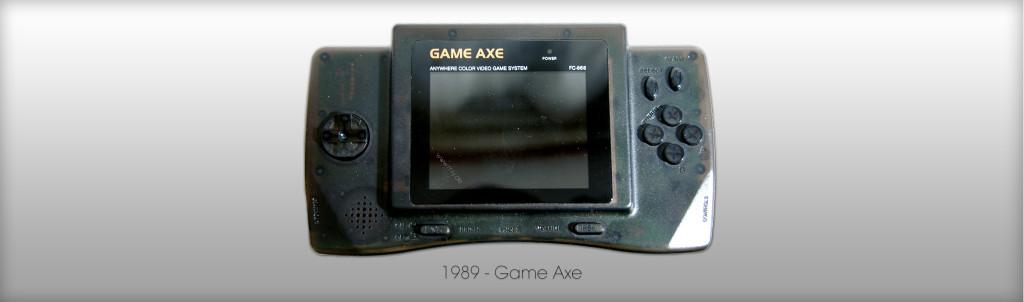 NES-Klon für die Hand. Der Game Axe von 1989. (Bild: © Oliver Thiele / miy.de)