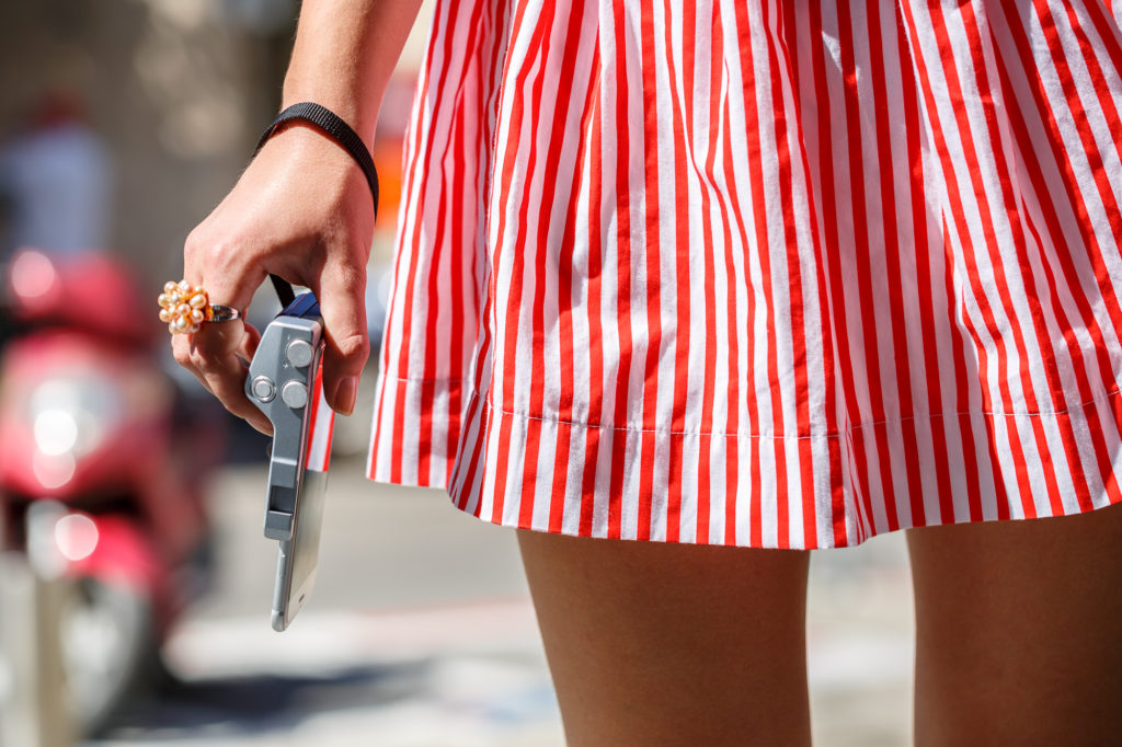 Besser gut festhalten. Ob das Phone im Griff hält? (Bild: © miggo)