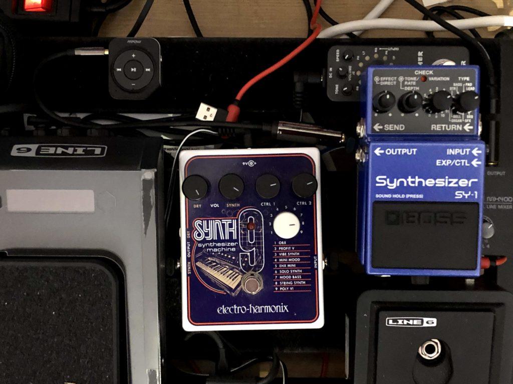 Electro Harmonix Synth9 und Boss SY1